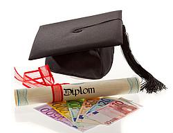 Rückzahlung des Studienkredits nach erfolgreichem Studienabschluss [© Gina Sanders - Fotolia.com]